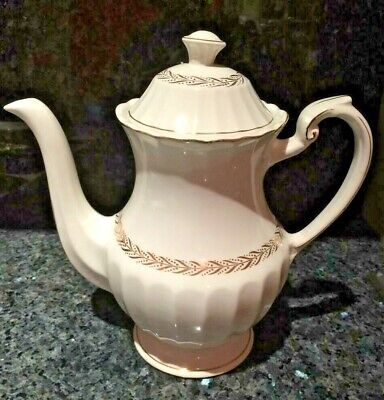 Beautiful Vintage J & G Meakin Teapot classic white English Stafford-shire gold