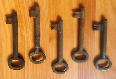 vintage iron metal skeleton rusty key keys house supplies rustic door lock