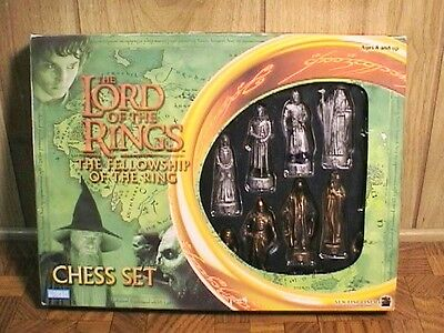 Lord of the Rings Chess Set FELLOWSHIP OF THE RING COMPLETE