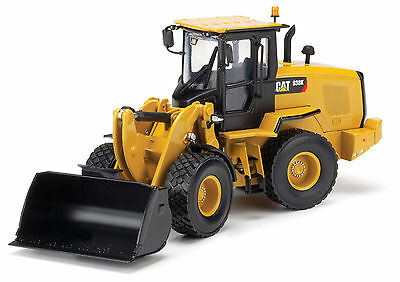 Norscot 1:50 Caterpillar CAT 938K Wheel Loader w/ bucket & forks 55228