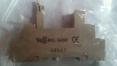 Omron Relay Socket For Use With G2R-2-S(N)(D)(ND)(NI)(NDI) Series (2934C)