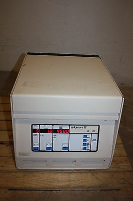 Sigma Cent RI Fugue Centrifuge Laboratory Type K 3-10 with Rotor 11133