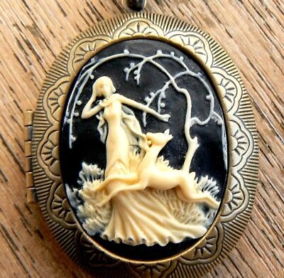 Unusual gift for her mum Lady in Willows Large Cameo Locket Pill Box Vintage