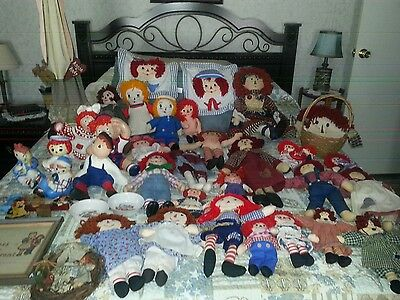 Lot of Raggedy Ann and Andy