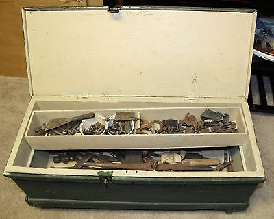 Late 19th-Early 20th Century Antique Carpenter's Chest with Antique Tools