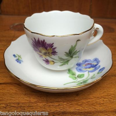Antique MEISSEN porcelain tea or coffe cup & saucer