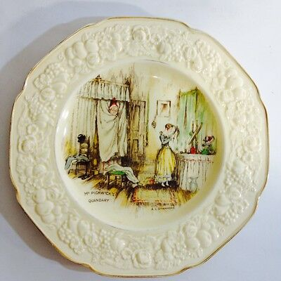 VINTAGE CROWN DUCAL FLORENTINE MR PICKWICKS QUANDARY PLATE c1930's