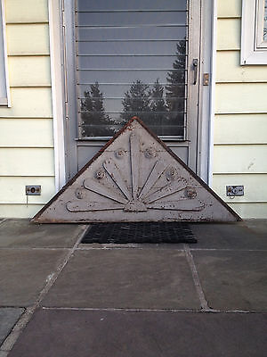 Vintage - Victorian Gable Pediment - Large