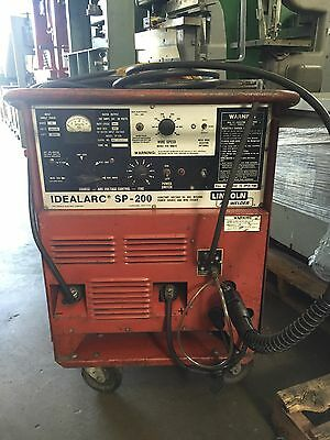 200 Amp, LINCOLN SP-200, Profax MIG Gun, Rollng Cart   Our stock number: 4178