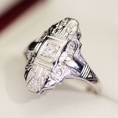 Antique Art Deco 1930s Diamond and plaque style ring, in 18ct gold engraved sett