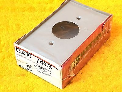 ***new*** Wiremold 3000 Single Receptacle Plate Gray G3027Ae