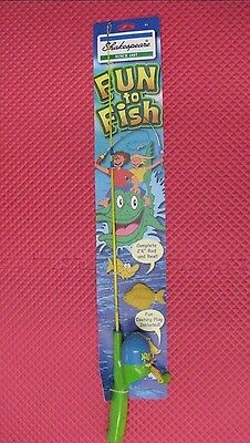 """Shakespeare Fun to Fish 2'6"""" Youth Spincast Combo with Practice Plug"""