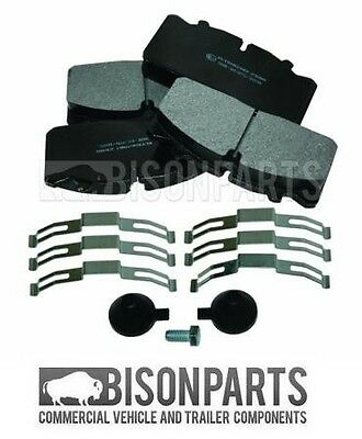Optare Solo Front & Rear Brake Pad Set With Fitting Kit 29088 / 29091