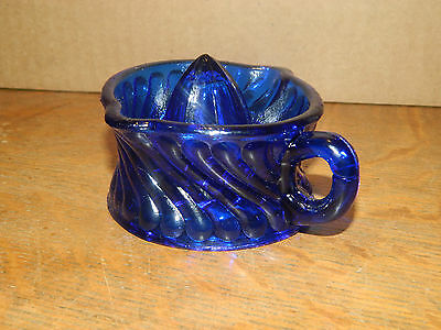 1/2 Cup Cobalt Blue Reverse Swirl Handled Lime or Lemon Juicer Reamer Cup