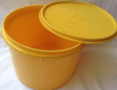 Vintage Tupperware Round Container Large Canister Retro Yellow Exc Condition