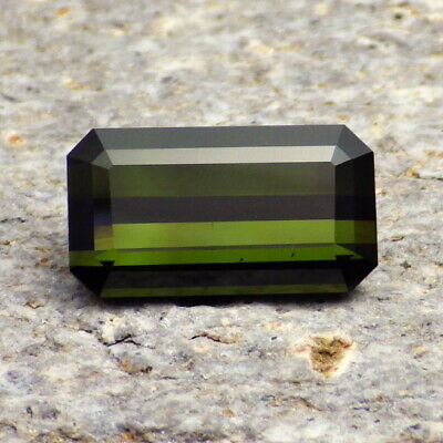 TOURMALINE-NIGERIA 4.68Ct VS1-DEEP LIME TO FOREST GREEN-NATURAL UNTREATED-RARE!