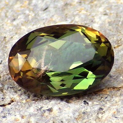 GREEN DICHROIC SCHILLER OREGON SUNSTONE 4.58Ct FLAWLESS-RARE JEWELRY/INVESTMENT!