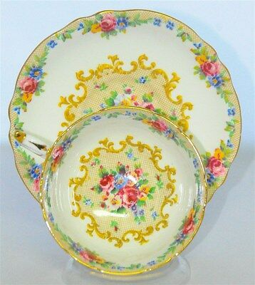 Paragon Minuet Needle Point Rose Bouquets TeaCup and Saucer (Tea Cup)