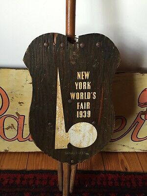 Vintage 1939 New York Worlds Fair Shield Seat Swagger Chair Super Rare Cane