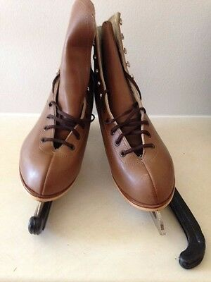 Womens Size 11 N Riedell Ice Skate