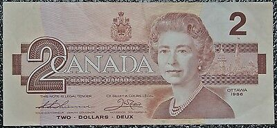 BANK OF CANADA - 1986 $2 NOTE - Cool Serial # - Signed Thiesen & Crow - NCC