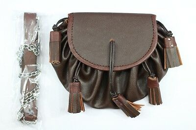BROWN GRAINED LEATHER SPORRAN. With Chain Belt.