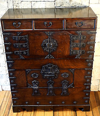 A Beautiful Antique Korean Elm Bandaji Chest