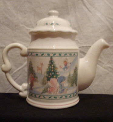 Precious Moments 1994 Christmas Teapot Holiday Enesco Holly Snow Scene