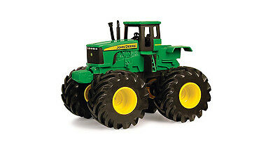 Tomy 42932 John Deere Toys Shake And Sounds Tractor 3 + Brand New In Box