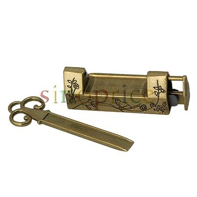 Chinese Old Style Antique Bronzy Carved Bird Flower Leaf Padlock Key Lock