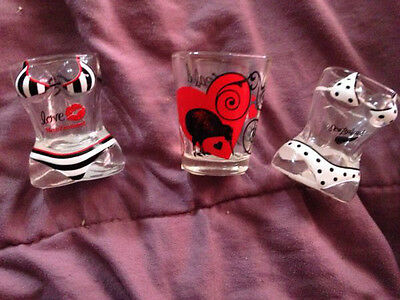 3 New Zealand shot glasses brand new free psotage (a55)
