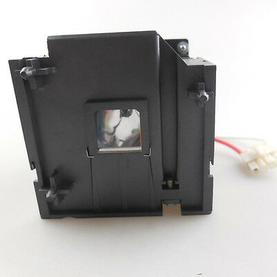 Replacement Lamp 31P9870 W/Housing for IBM iLV300 Projector