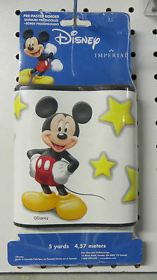 Mickey Mouse with Stars on White Wallpaper Border DF026305BFP