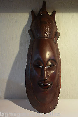 C41 Ancien masque tribal africain