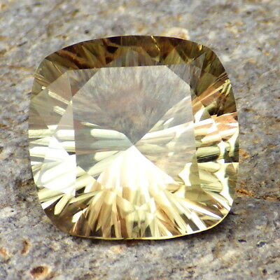 GREEN GOLD-PINK SCHILLER OREGON SUNSTONE 7.79Ct FLAWLESS-RARE MIX OF COLORS!
