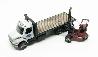 N Scale FL-M2 Class FreightDelivery 20 Ft.Deck Truck withDonkey Forklift Kit(83)