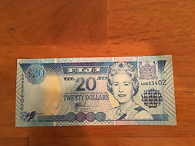 Fiji 20 Dollars ND 2002 P-107a> UNC