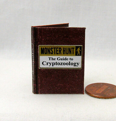 MONSTER HUNTER 1:6 Scale Book Readable Illustrated Miniature Book Vampire