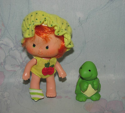 Vtg Strawberry Shortcake Apple Dumplin' Doll w/ Teatime Turtle Pet