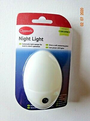 Clippasafe Safety Children Baby Nursery/ Bedroom Plug In Night Glow Light