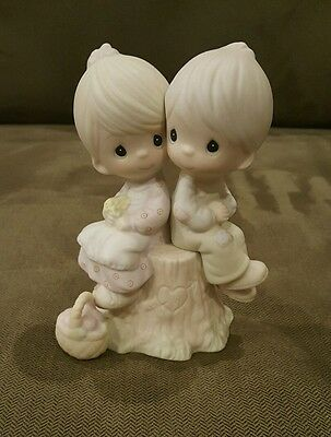 Precious Moments LOVE ONE ANOTHER Figurine E-1376