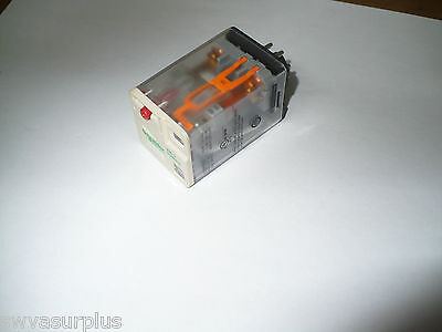 Schneider Electric RUMC3AB2P7 Plug-In Universal Relay, 230V, 10A, New