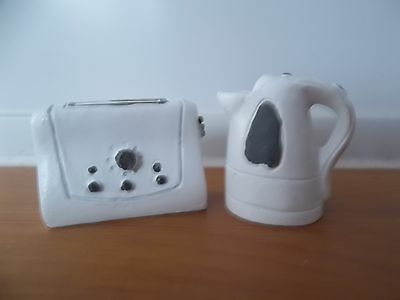 Dolls House Emporium 1/12th Scale Modern Kettle & Toaster (5994)