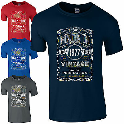 Made in 1977 T-Shirt Born 40th Year Birthday Age Present Vintage Funny Mens Gift
