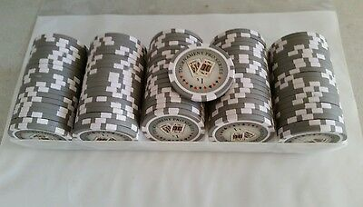 100 chips  1.00 value each   CASINO CHIPS