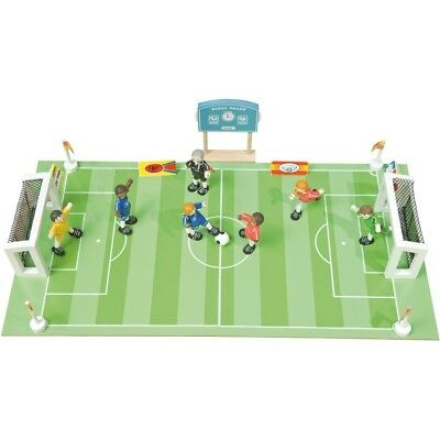 Le Toy Van TV437 Football Pitch match