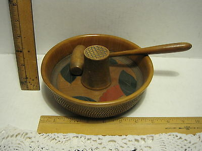 VINTAGE JAPAN Carved Wood Lacquer NUT Bowl Center Piece Hammer Floral VINTAGE