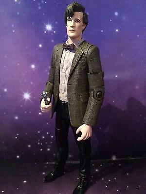 DOCTOR WHO FIGURE - CLASSIC COSTUME THE 11th ELEVENTH DOCTOR - MATT SMITH