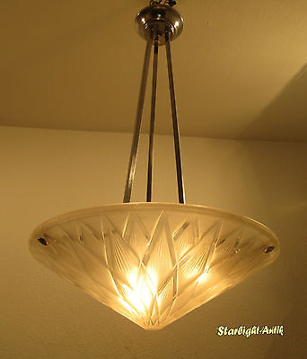 Wonderful French Art Deco Chandelier 1925/1930 - Signed: P. D`avesn