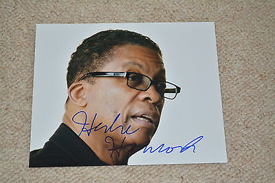 HERBIE HANCOCK signed Autogramm 20x25 cm In Person